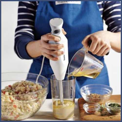 How to use a hand blender
