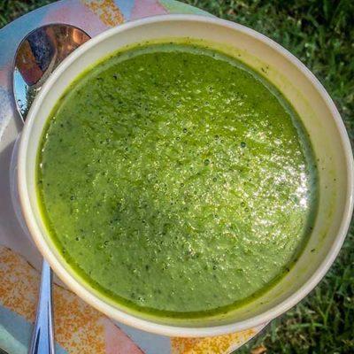 Easy peasy 10 minute pea soup recipe.